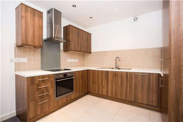 2 Bedrooms Flat for sale in Hannah Court, KINGSBURY, NW9 9PD