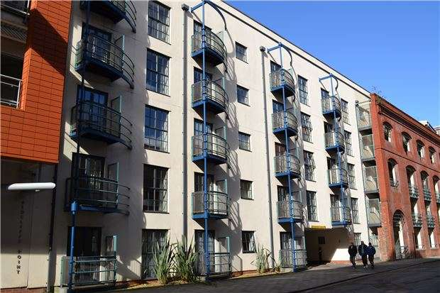 1 Bedroom Flat for sale in St. Thomas Place, St. Thomas Street, BRISTOL, BS1 6JY