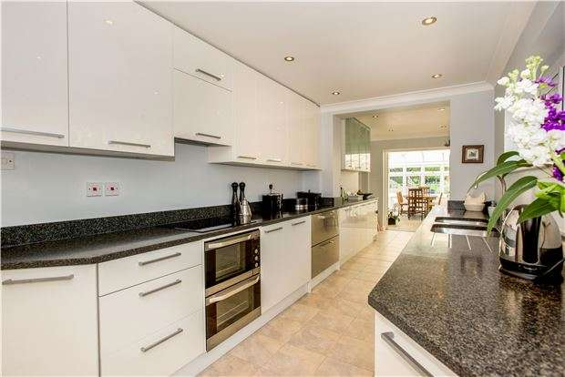 5 Bedrooms Detached House for sale in Rye Lane, Otford, SEVENOAKS, Kent, TN14 5LU