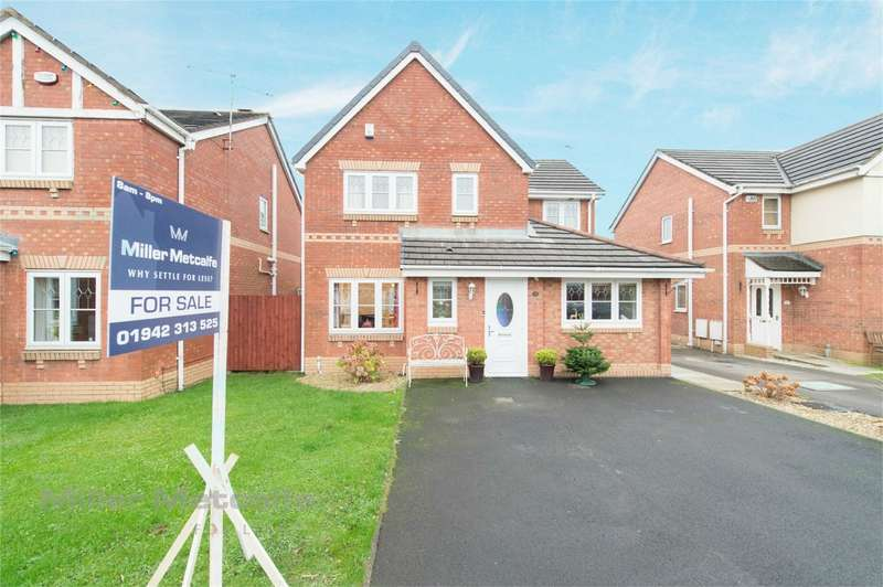 5 Bedrooms Detached House for sale in Botesworth Close, Hindley Green, Wigan, Lancashire