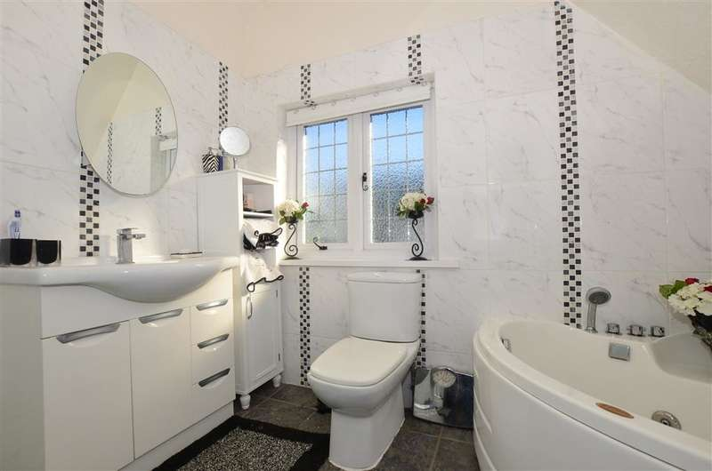 4 Bedrooms Detached House for sale in Northdown Way, Margate, Kent