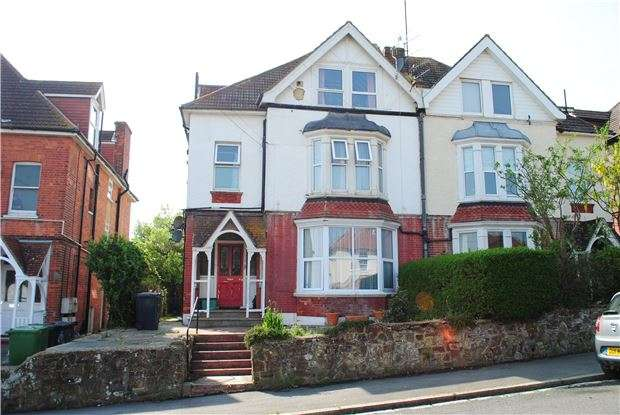 1 Bedroom Flat for sale in Manor Road, BEXHILL-ON-SEA, East Sussex, TN40 1SN
