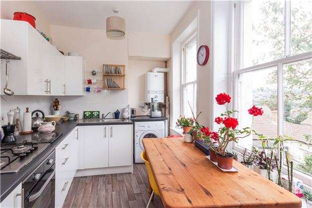 2 Bedrooms Flat for sale in GFF, St. Thomass Road, HASTINGS, East Sussex, TN34 3LD