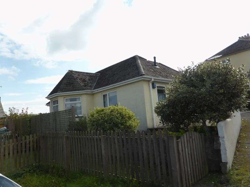 2 Bedrooms Detached Bungalow for sale in Hillside Gardens, Lostwithiel