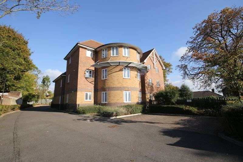 1 Bedroom Flat for sale in Mill Road, Burgess Hill, West Sussex