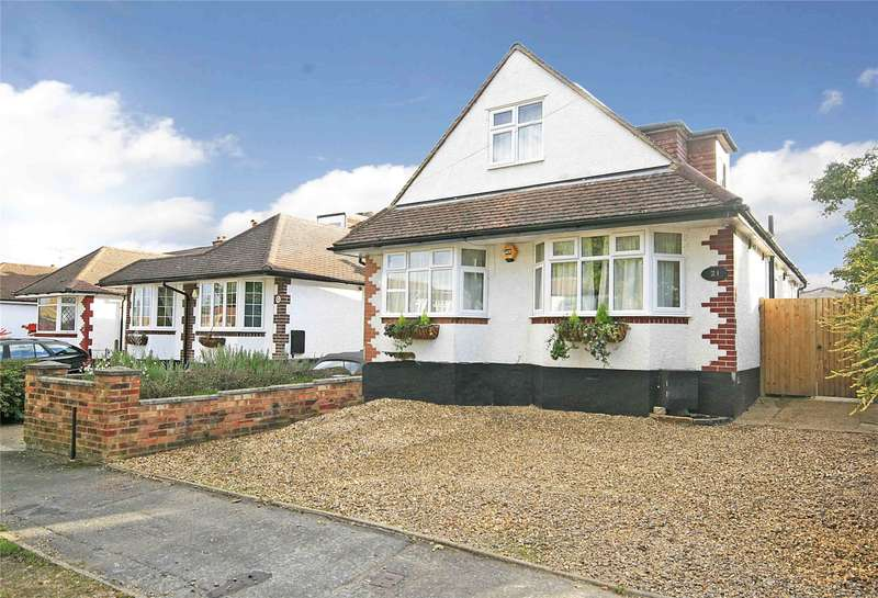 5 Bedrooms Detached House for sale in Marley Close, Rowtown, Surrey, KT15