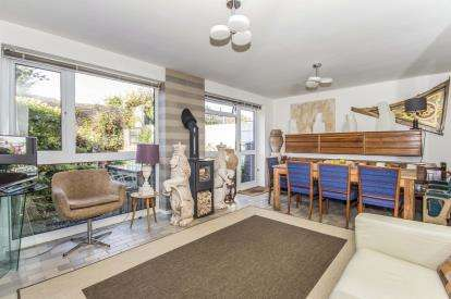 3 Bedrooms Terraced House for sale in Sandfield Road, Stratford Upon Avon, Warwickshire