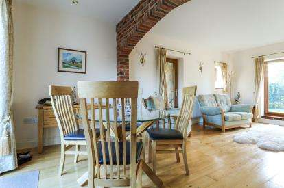 2 Bedrooms Barn Conversion Character Property for sale in Carbrooke, Thetford, Norfolk