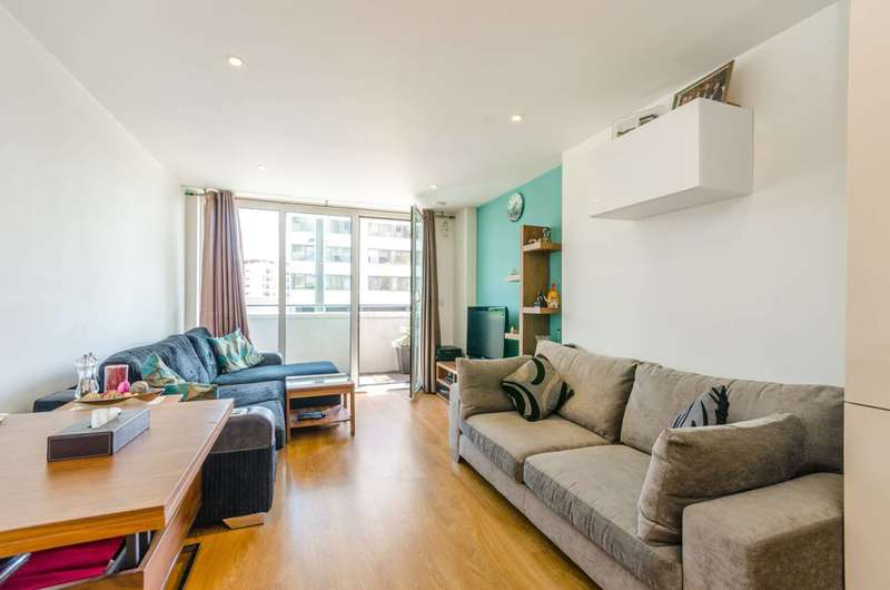 1 Bedroom Flat for sale in Velocity Building, Stratford, E15