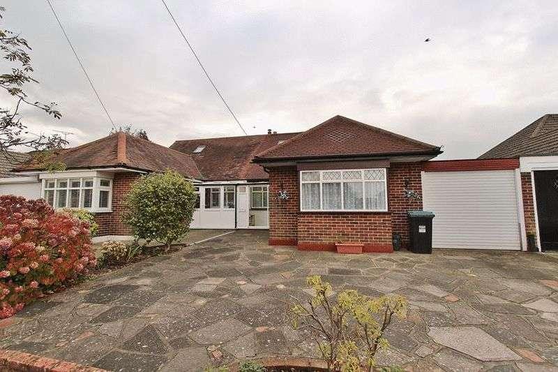 2 Bedrooms Semi Detached Bungalow for sale in Shelton Avenue, Warlingham