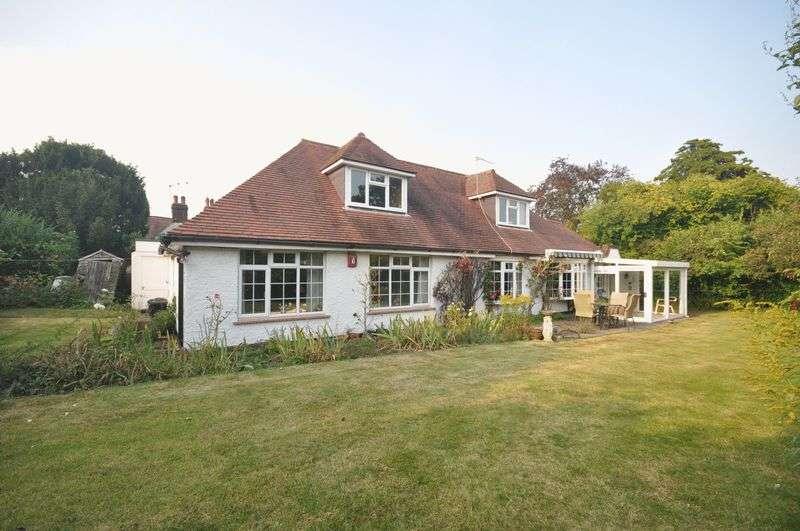 4 Bedrooms Detached Bungalow for sale in Rectory Lane, Ashtead