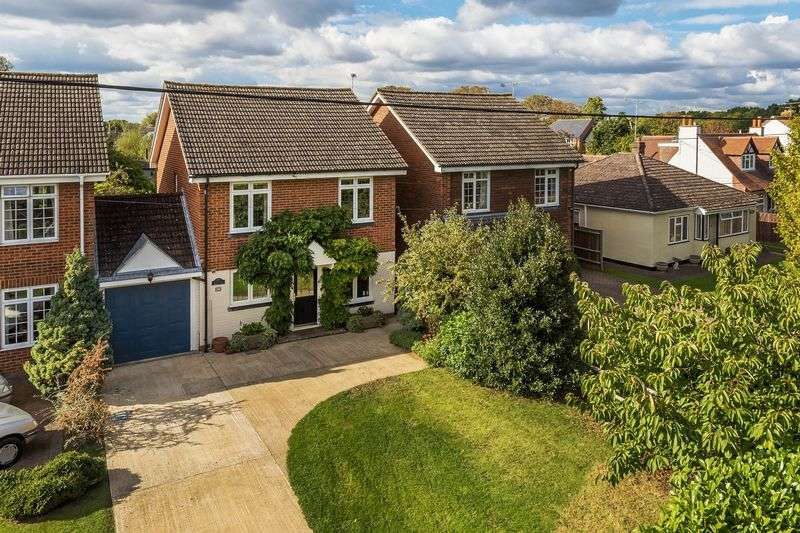 4 Bedrooms Detached House for sale in Glaziers Lane, Normandy, Guildford