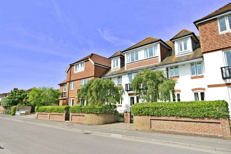 2 Bedrooms Retirement Property for sale in Danestream Court & House, Milford on Sea, SO41 0DA