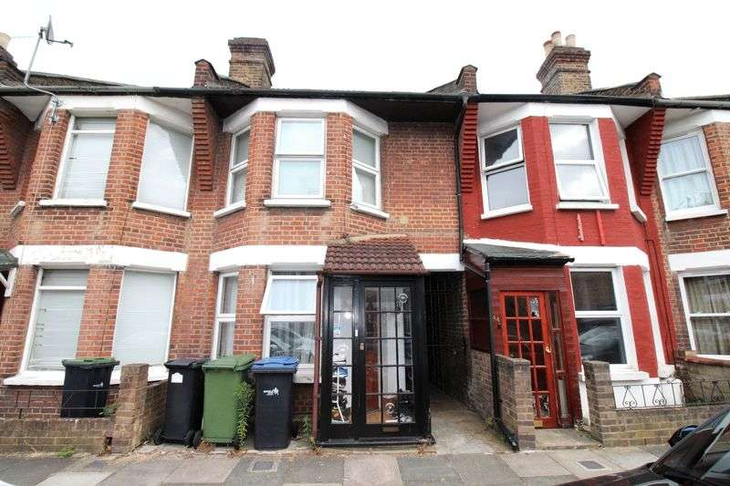 4 Bedrooms Terraced House for sale in James Street En1