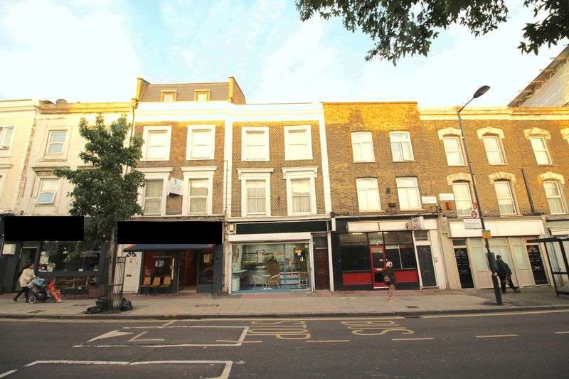4 Bedrooms Terraced House for sale in Chatsworth Road, E5 0LP