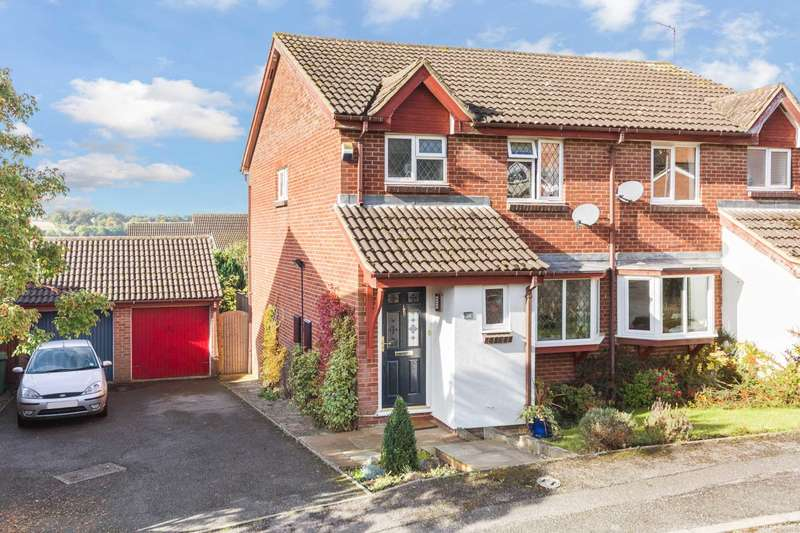 3 Bedrooms Semi Detached House for sale in Hill View, Berkhamsted
