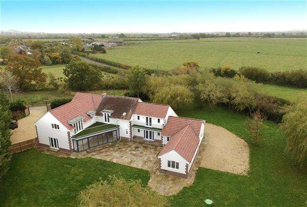 6 Bedrooms Detached House for sale in The Willows, Rodgrove, Wincanton