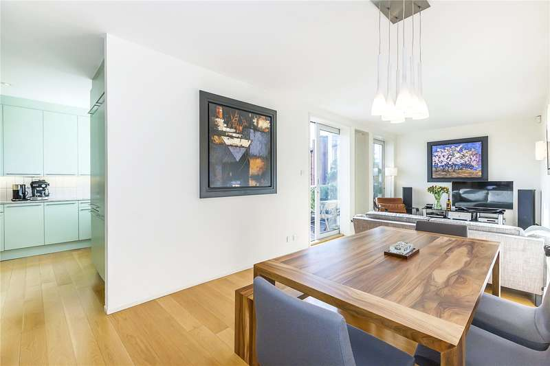 2 Bedrooms Flat for sale in Crown Apartments, 2 Queen Elizabeth Street, London, SE1