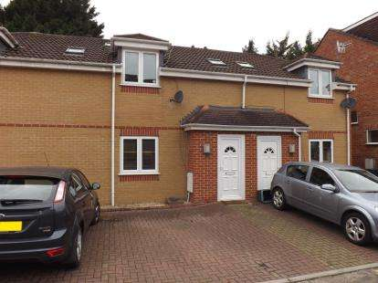 3 Bedrooms Terraced House for sale in Pentire Avenue, Bishopsworth, Bristol, Gloucestershire