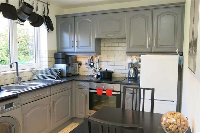 2 Bedrooms Property for sale in Aintree Drive, Lower Darwen