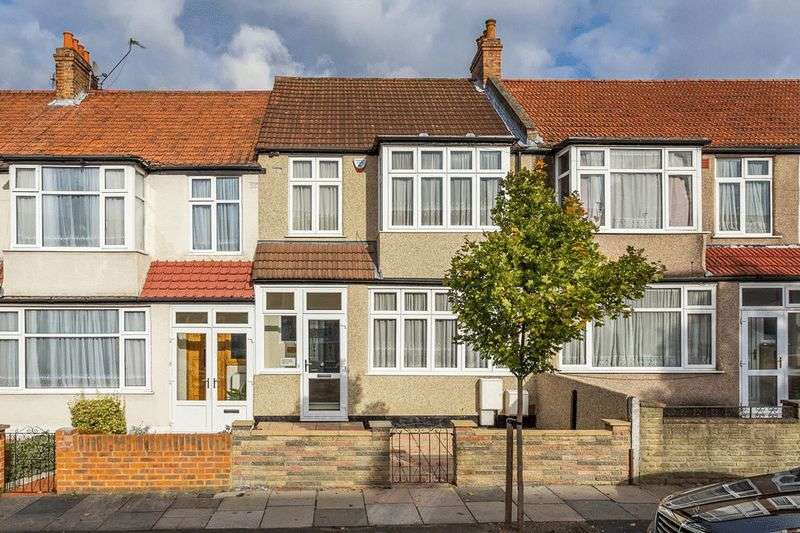 3 Bedrooms Terraced House for sale in Avenue Road, Streatham Vale, LONDON