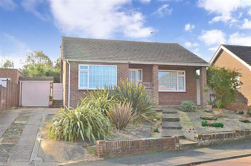 3 Bedrooms Bungalow for sale in Dane Court Gardens, Broadstairs, Kent
