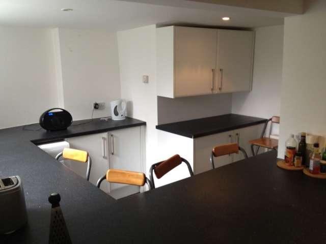 8 Bedrooms Terraced House for rent in Headingley Mount, Headingley, LS6