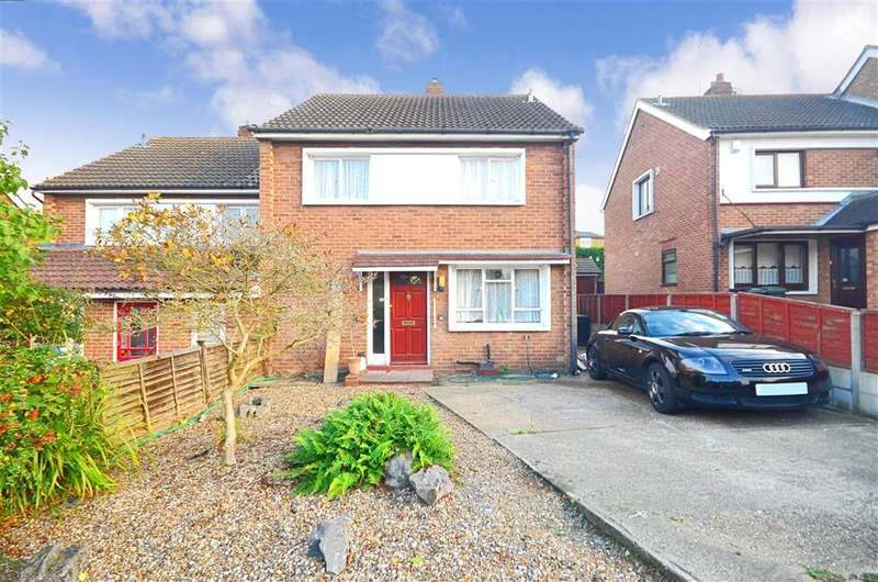 3 Bedrooms Semi Detached House for sale in Rayfield, Epping, Essex