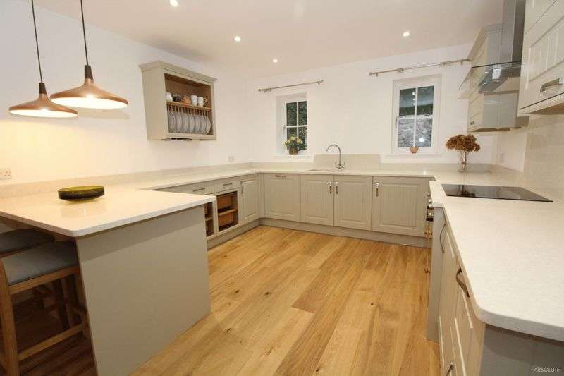 3 Bedrooms Detached House for sale in Combeinteignhead, Newton Abbot