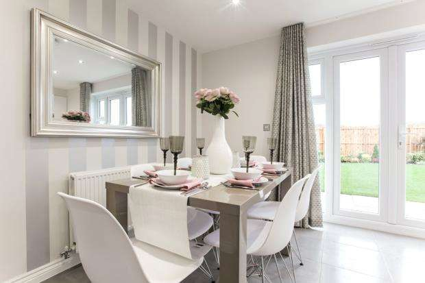 4 Bedrooms End Of Terrace House for sale in Cherry Tree Gardens, Pennycross Close, Plymouth, Devon