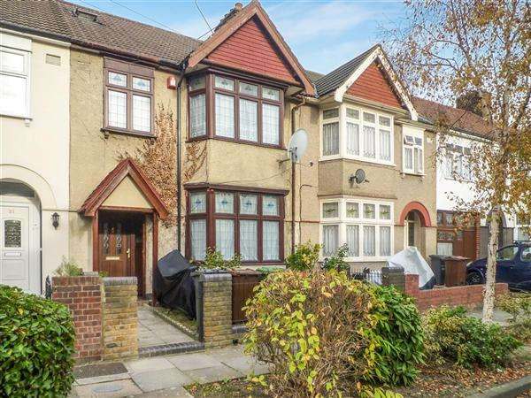 3 Bedrooms Terraced House for sale in Netherfield Gardens, Barking