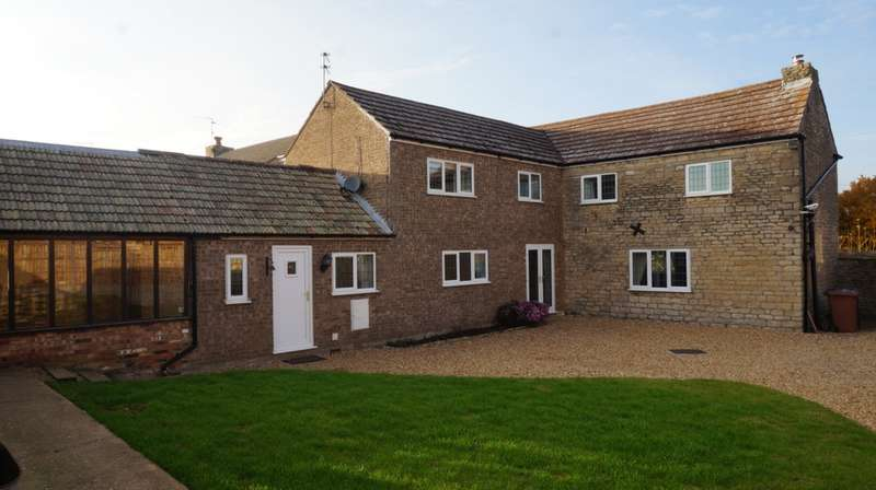 4 Bedrooms Detached House for sale in Willow Lane, Whittlesey, PE7