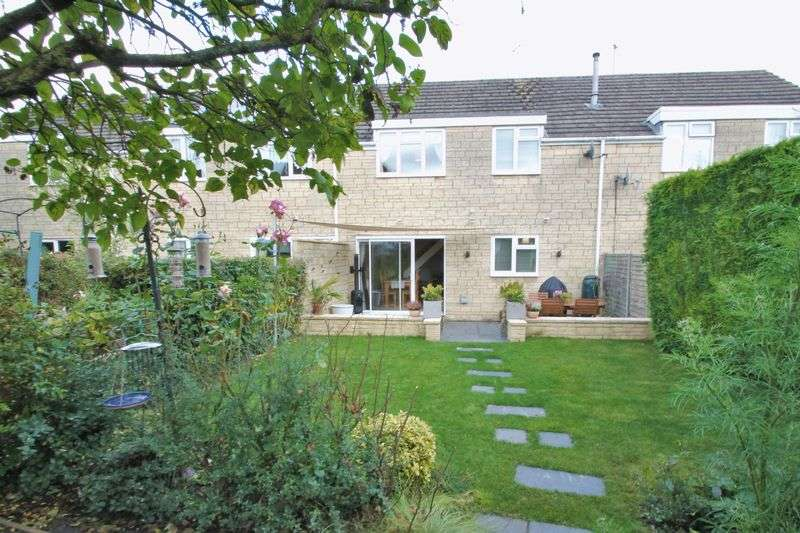 4 Bedrooms Terraced House for sale in Rose Way, Cirencester, Gloucestershire