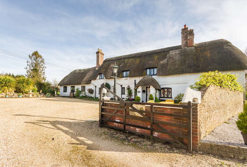 4 Bedrooms Cottage House for sale in Ibsley, Ringwood, Hampshire