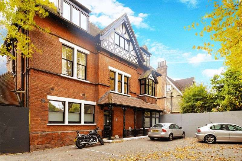 2 Bedrooms Flat for sale in Shepherds Hill, Highate, N6