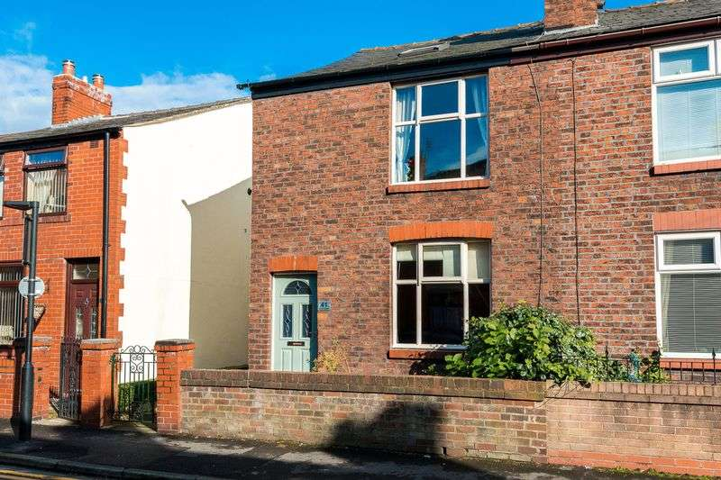 3 Bedrooms Semi Detached House for sale in Church Street, Standish