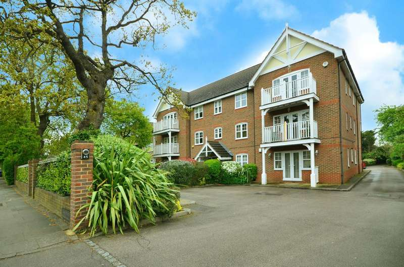2 Bedrooms Flat for sale in The Ridgeway, Enfield, Enfield, EN2