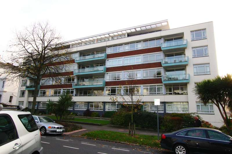 3 Bedrooms Flat for sale in Devonshire Place, Eastbourne, BN21 4AQ
