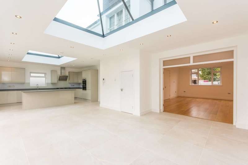 4 Bedrooms House for sale in Dawson Road, Cricklewood, NW2