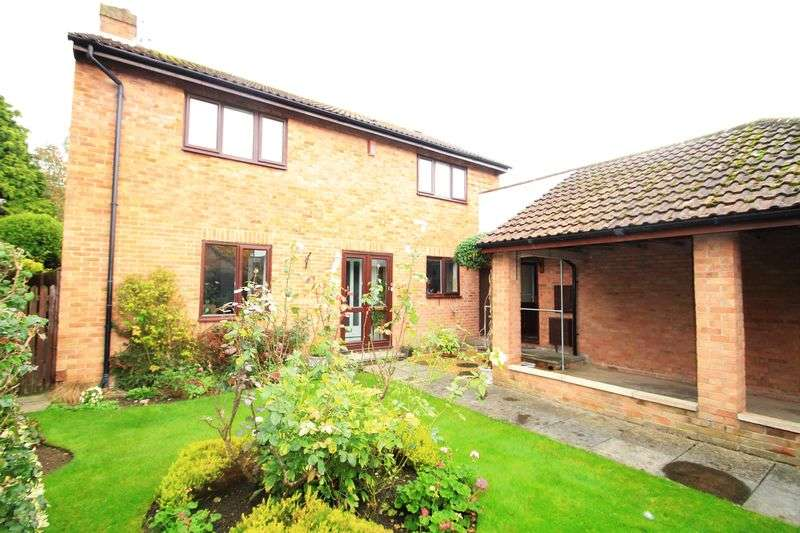 4 Bedrooms Detached House for sale in Sally Barn Close Longwell Green Bristol