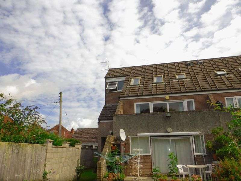 2 Bedrooms Flat for sale in Prestleigh Road, Evercreech
