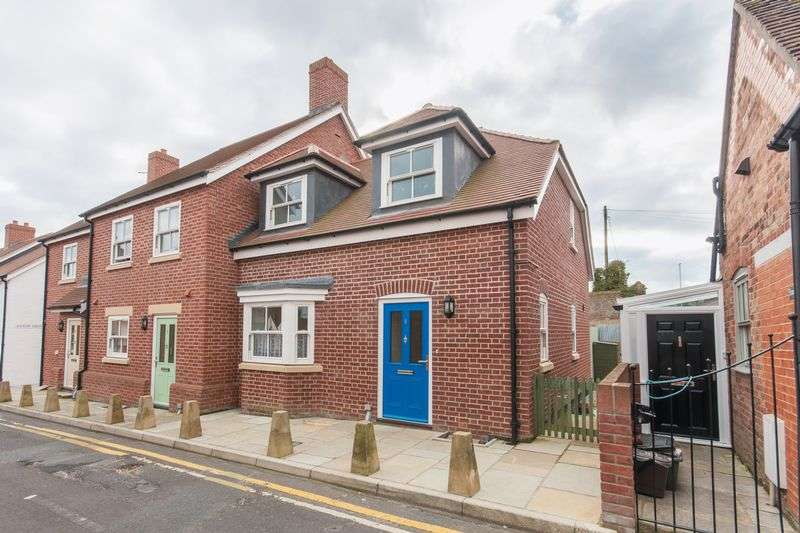 3 Bedrooms Mews House for sale in Wareham Town