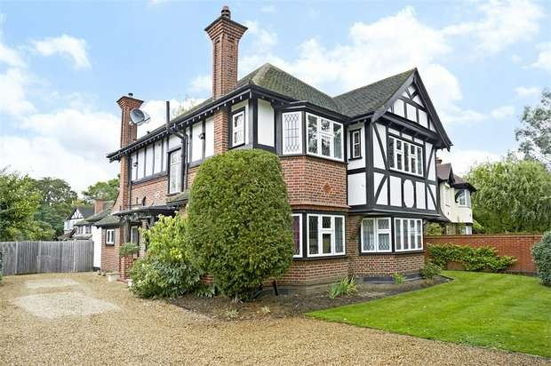 4 Bedrooms Detached House for sale in Sidney Road, WALTON-ON-THAMES, Surrey