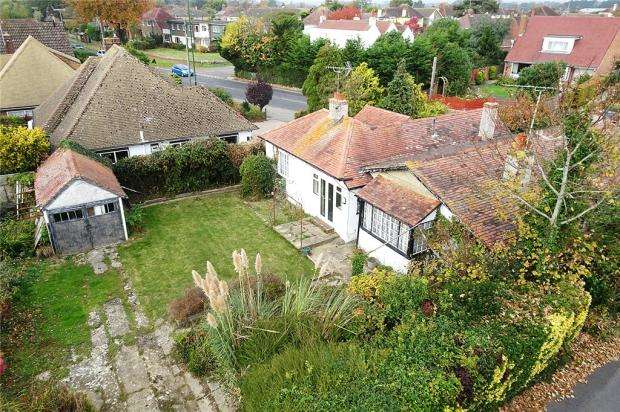 4 Bedrooms Detached Bungalow for sale in Sea Avenue, Rustington, West Sussex, BN16