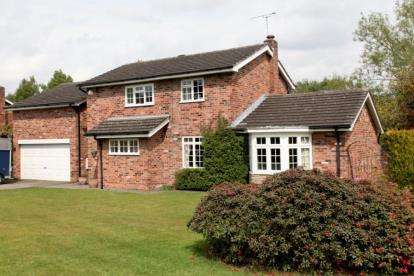 4 Bedrooms Detached House for sale in Willow Way, Prestbury, Macclesfield, Cheshire