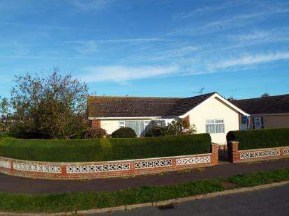 3 Bedrooms Bungalow for sale in Heacham, King's Lynn, Norfolk