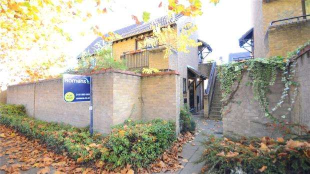 Apartment Flat for sale in Maiden Place, Lower Earley, Reading