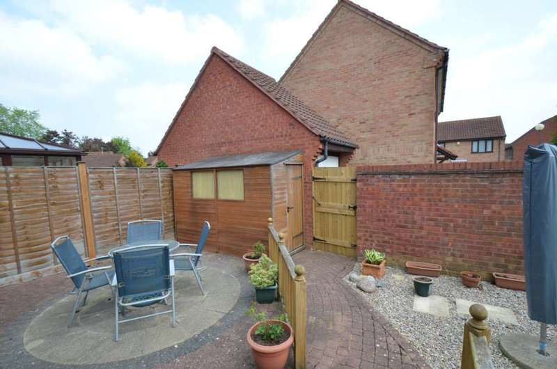 3 Bedrooms Detached House for sale in Giffard Park