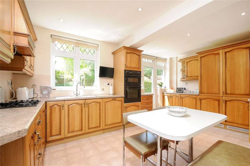 5 Bedrooms House for sale in Vista Way, Harrow, Middlesex, HA3