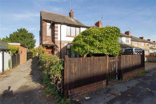 3 Bedrooms Detached House for sale in Limbury Road, Luton